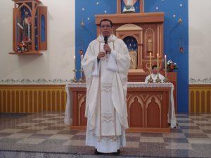 Padre Ubirajara anuncia a criação da paróquia