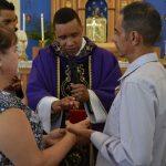 Casal Paulo e Fátima legitima matrimônio na Igreja