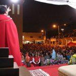 Padre Nilso prega a fiéis em Sermão da Paixão