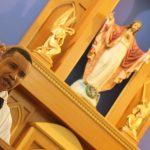 """""""Cristão, seja feliz"""", destaca padre Carlos na Missa de Todos os Santos"""