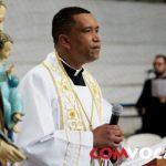 Pe. Carlos Eduardo fala sobre o papel da família para o sacerdócio